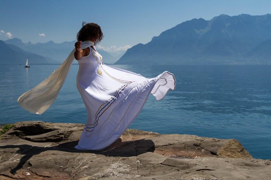 La danse qui représente l'union de l'humanité, de toutes les nations, cultures et religions du monde : OneDance