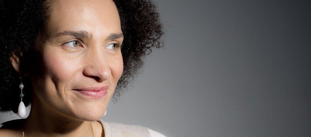 Frédérique Bedos – «Sans mes parents adoptifs, je ne serais pas devenue qui je suis aujourd'hui»