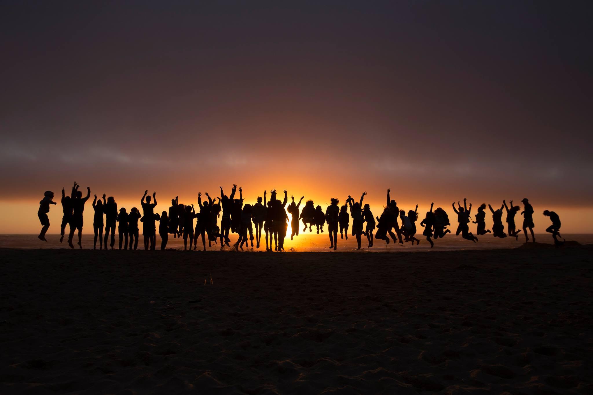 HINWEIS AN DIE BEVÖLKERUNG !!! : Epidemie des Glücks, noch gefährlicher als das Corona-Virus !