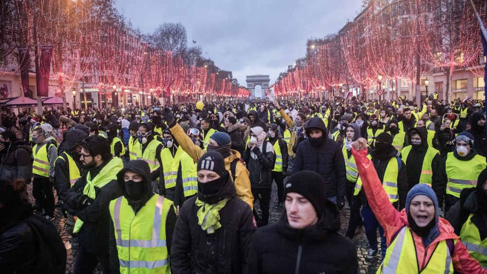 Yellow Vests Update: CNN says they are creating chaos, but are they?